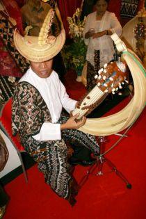 Sasando-ntt-folk-music2 jogjaicon 2011